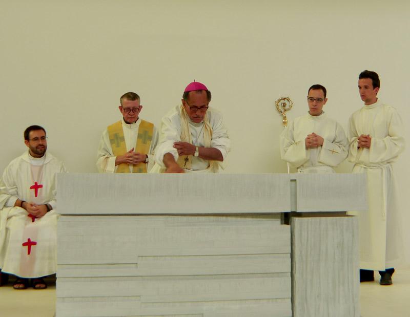 Unción del altar